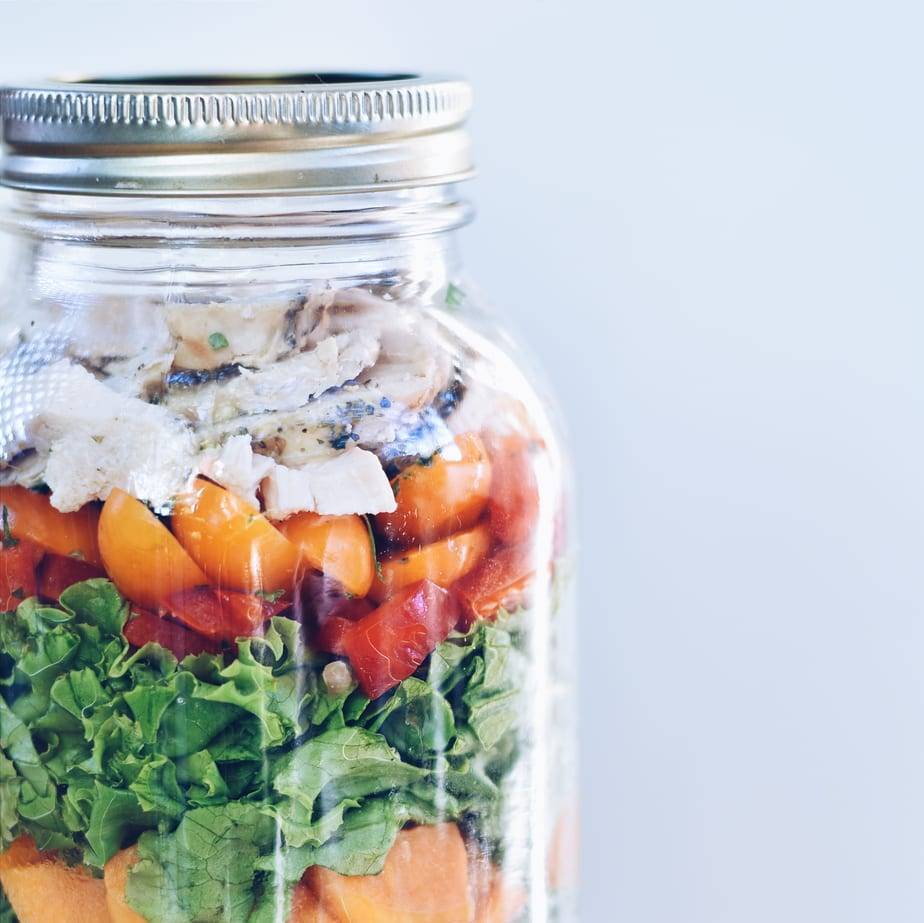Salade en pot aux de légumes flétrits / Salad in a jar made with leftovers | cuisinedopamine.com